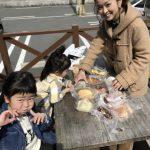 桜が咲く季節にはパンを買ってこの公園に行くのがオススメですYO!